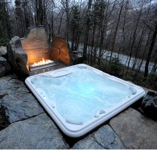 Cottage hot tub and spa installation 3