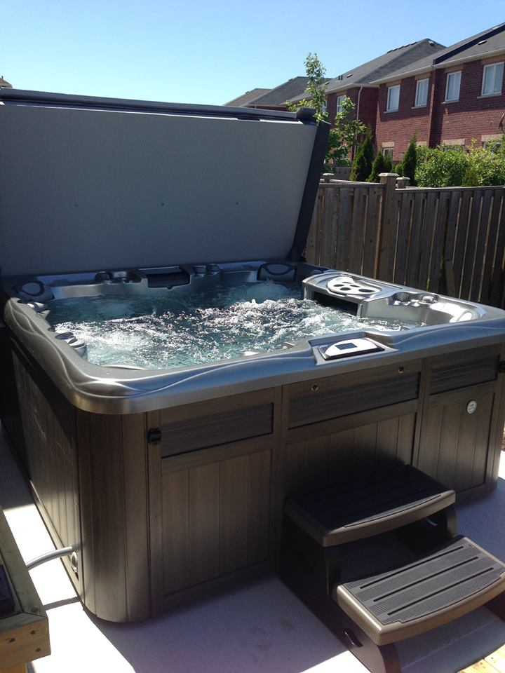 Autumn hot tub and spa installation 40