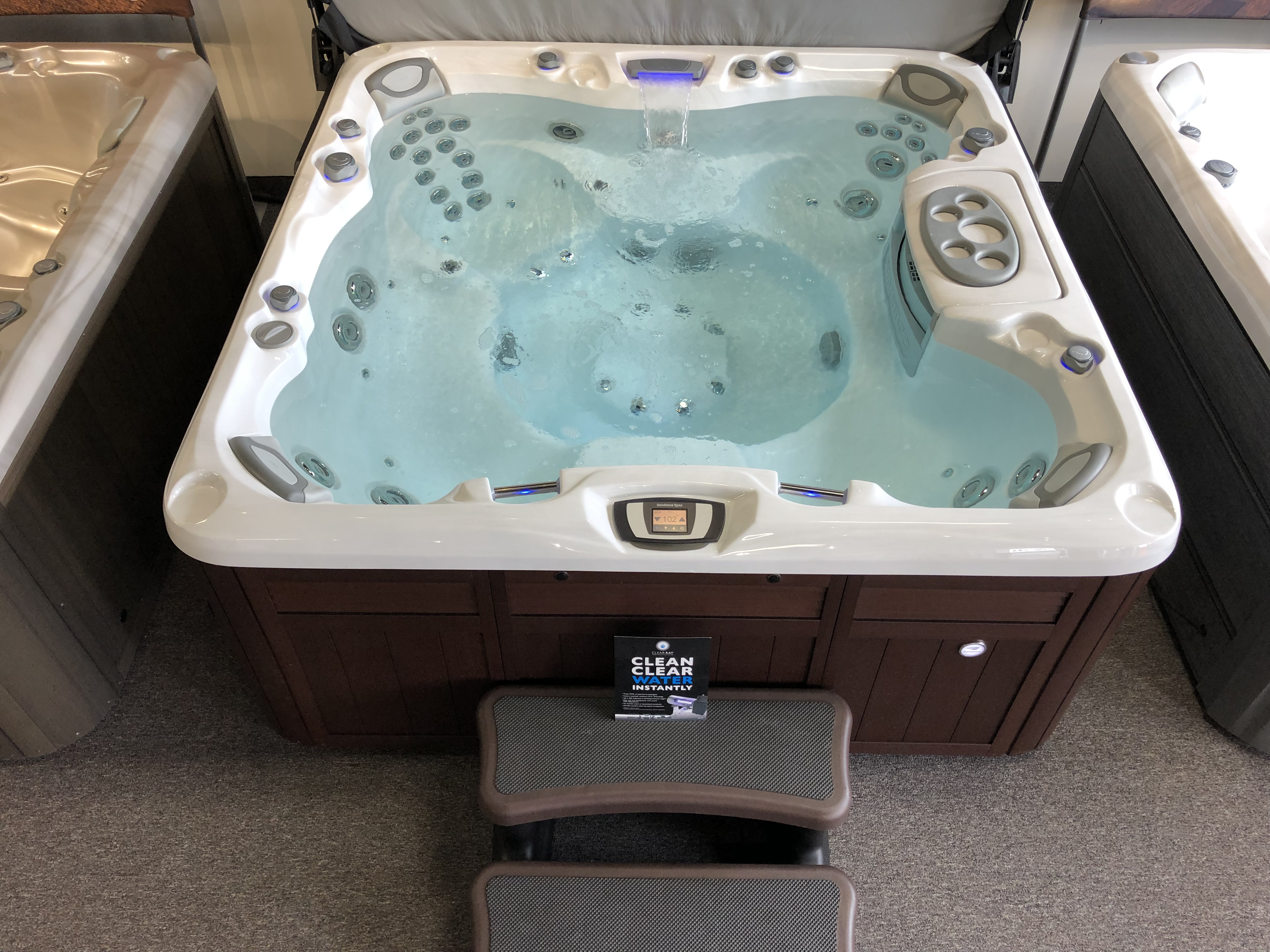Sundance Spas 880 Series Optima 7 person hot tub hot tubs near me store Vaughan Ontario