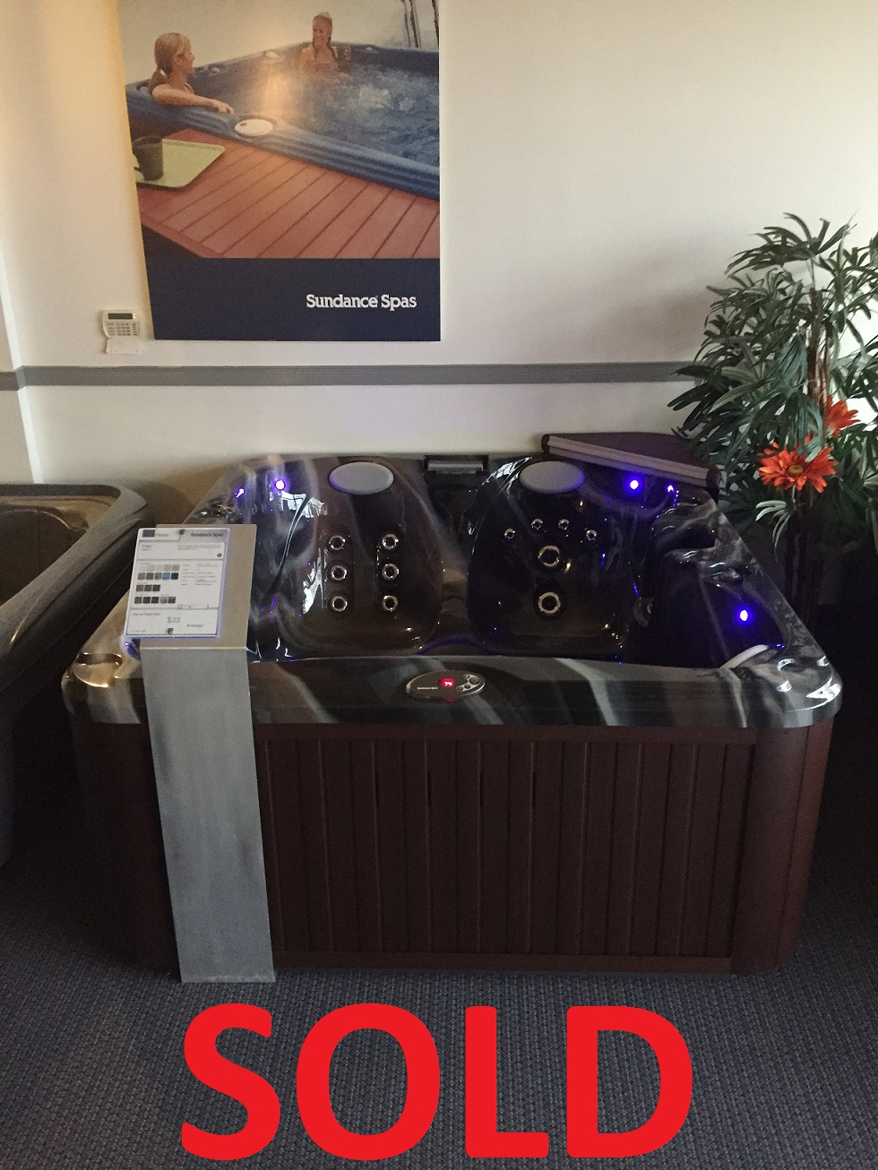 Sundance Spas St Catharines Niagara hot tubs hot tub Ontario floor special discount jacuzzi whirlpool specials